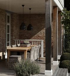 Love the beams. Good craftsman style great table too!!!