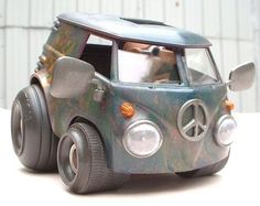 "Ward Shrake looks at the Revell Deal's Wheels ""Van"" on Internet Modeler. Volkswagen, Vw T1, Vw Cars, Drag Cars, Assurance Auto, Combi Vw, Cool Vans, Weird Cars, Car Hacks"