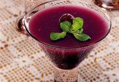 Pepeçura Doğu Karadeniz'e özgü kokulu ve mor renkli üzümlerden yapılan hafif ve hoş kokulu bir tatlı. Yapımı da çok pratik. Haydi buyrun tarife bakalım;