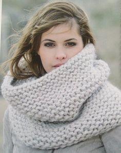 Col van Peru - Het Kleine Winkeltje - chunky cowl / infinity scarf , knit or… Chunky Scarves, Big Scarves, Knitted Scarves, Cowl Scarf, Knitting Accessories, Sweater Weather, Autumn Winter Fashion, Knit Crochet, Easy Crochet