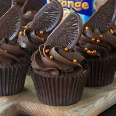 Chocolate orange sponge topped with smooth chocolate orange buttercream and topped with a slice of Chocolate Orange - Chocolate Orange Heaven! Cupcake Frosting, Baking Cupcakes, Cupcake Recipes, Cupcake Cakes, Dessert Recipes, Cup Cakes, Baking Recipes, Cupcake Ideas, Muffins