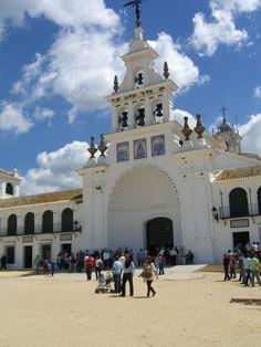Ermita llena de anhelos Santuario de cal blanca Ermita llena de anhelos Santuario de cal blanca Ermita llena de anhelos