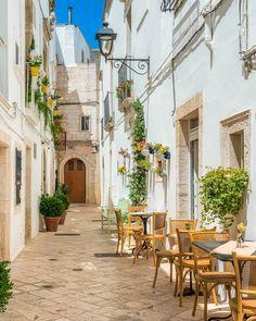 Verona Italy, Puglia Italy, Venice Italy, Brindisi Italy, Amalfi Italy, Wonderful Places, Beautiful Places, Bari, Palermo Sicily