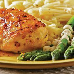 Pour varier le poulet sur le barbecue, tout repose sur la marinade! Un mélange d'agrumes et de moutarde composent l'essence de celle-ci.