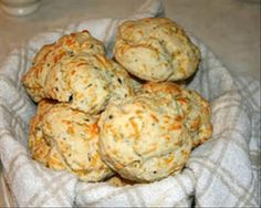 Make Your Own Red Lobster Cheddar Biscuits