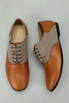 Hawkings McGill leather chambray oxford shoes, also known as beautiful pieces of art. Sock Shoes, Men's Shoes, Shoe Boots, Dress Shoes, Ugg Boots, Look Fashion, Fashion Shoes, Mens Fashion, Fashion Ideas