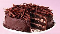 Mít osvědčený recept na čokoládový dort se opravdu vyplatí. V lidském životě se totiž pravidelně vyskytují příležitosti, které si přímo říkají o dokonalý, jemný a luxusní zákusek. Czech Desserts, Cheesecake, Sweets, Candy, Fresh, Chocolate, My Favorite Things, Recipes, Food