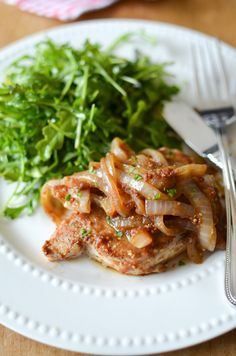 7. Slow Cooker Apple Butter Pork Chops #greatist http://greatist.com/eat/healthy-recipes-that-make-healthy-eating-easy