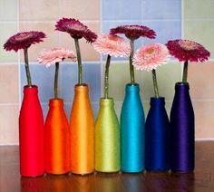 DIY Yarn Spring Vase. Really easy to do!! #diy #vase