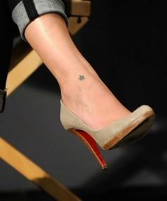 There are two types of people in this world: those who enjoy large tattoos and those who like small and delicate tattoos. Here is a list of small tattoos to Little Heart Tattoos, Small Sister Tattoos, Small Arrow Tattoos, Small Moon Tattoos, Cool Small Tattoos, Small Diamond Tattoo, Small Mandala Tattoo, Ankle Tattoo Small, Tiny Tattoo