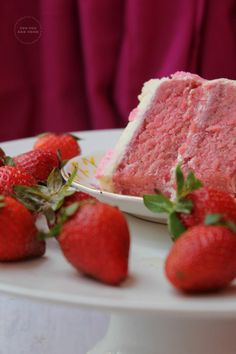 Strawberry Cake With Buttercream Frosting