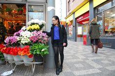 Flower shop :: Tạo dáng trước tiệm bán hoa Anděl Flowers, Shopping, Royal Icing Flowers, Flower, Florals, Floral, Blossoms