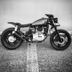 Honda ✊ #cx500 #relicmotorcycles #caferacersofinstagram #dropmoto #hondacaferacer #scrambler #scramblerstrackers #caferacerxxx #aarhus #dennark