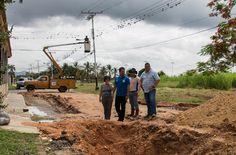 Juan Perozo inspeccionó rehabilitación de alumbrado en la urbanización La Esperanza