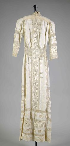 Dress Date: 1905–10 Culture: American Medium: Linen, cotton Accession Number: 2009.300.7291