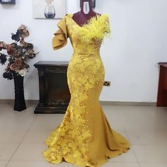 African Mermaid Lace Prom Dresses 2019 Yellow Pearls Long Prom Gowns Fshion Aso Ebi Feather Formal Party Dress Plus Size Lace Up African Prom Dresses, Latest African Fashion Dresses, African Print Fashion, African Dress, Gold Mermaid Prom Dresses, African Lace Styles, Lace Dress Styles, Mode Glamour, Long Prom Gowns