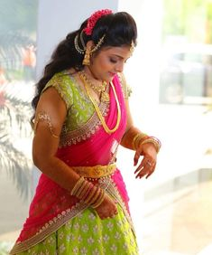 Half Saree Lehenga, Bridal Lehenga, Saree Wedding, Lehenga Hairstyles, Indian Hairstyles, Half Saree Designs, Blouse Designs, Saree Jewellery, Bridal Jewellery