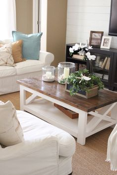 Coffee table is one's favorite to start the day. Learn how to decorate your coffee table design like a pro to give the most of your coffee time experience. Home Decor Inspiration, Farm House Living Room, Home, Coastal Living Room, Rustic Furniture, Coffee Table Farmhouse, Coastal Living Rooms, Cool Coffee Tables, Coffee Table