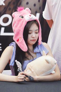 Jennie Kim 💣