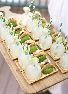 Aspen Wedding Venues, Event Venues Aspen Tuna taco with a mini margarita Brunch, Snacks Für Party, Party Drinks, Food Platters, Partys, Food Presentation, Appetizer Recipes, Tapas, Cocktails
