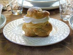 Képviselőfánk Paris Brest, Profiteroles, Something Sweet, Donuts, Pancakes, Food And Drink, Pudding, Cream, Breakfast