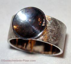 Breiter Silberring mit gewölbter Platte