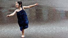 Wallpapers Alone Girls Beautiful Girl In Rain 1366x768 | #342796 #alone girls Girl In Rain, I Love Rain, Walking In The Rain, Singing In The Rain, 2560x1440 Wallpaper, New Foto, Rain Dance, Rain Wallpapers, Desktop Backgrounds