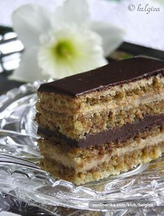 Torta Opera by cipelica — Coolinarika Mini Desserts, Dessert Recipes, Chocolate Mouse Cake, Dessert Decoration, Flan, Tiramisu, Party Time, Opera, Cake Slices