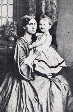 Photography - Jane Morris holding her daughter May, c. 1865