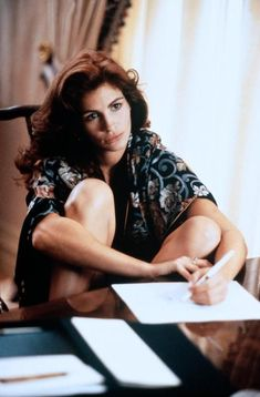 Pretty Woman - Julia Roberts Source by dusmeyer women Julia Roberts, Pretty Woman Film, Fangirl, Look Star, Richard Gere, Hollywood Star, Beautiful Actresses, Pretty People, American Actress