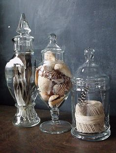 Love apothecary jars! Have them all over my house full of seashells & sea debris,  parrot, chicken & gamebird feathers. Pain to dust, though :P
