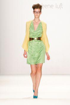 Seiden Kleid von Irene Luft jetzt auf nelou.com shoppen. Und 5500 weitere Designs mehr.