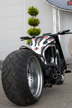 Custom Harley Davidson Choppers a part of a series of pictures galleries. Picture galleries showcasing the hottest custom Harley, street bikes, bobbe Custom Choppers, Custom Harleys, Custom Motorcycles, Cars And Motorcycles, Custom Street Bikes, Custom Bikes, Moto Bike, Motorcycle Bike, Diavel Ducati