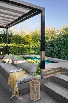 Studio Egue y seta, who worked on this modern apartment in Barcelona, ​​called the project 'private sunset'. Small Backyard Pools, Backyard Patio Designs, Small Pools, Swimming Pools Backyard, Backyard Landscaping, Hot Tub Backyard, Small Swimming Pools, Lap Pools, Indoor Pools