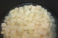 Mashed Potatoes Recipe - Simple Steps To Light and Fluffy Perfection! Fluffy Mashed Potatoes, Diced Potatoes, Mashed Potato Recipes, Spices, Vegetarian, Dinner, Cooking, Simple, Food