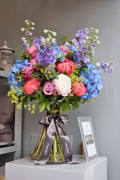 RHS Chelsea Flower Show 2013 – Florist Nikki Tibbles of Wild at Heart's stand