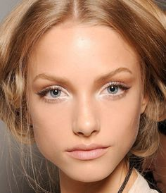 No-Makeup Makeup. We love the simplicity of the no-makeup look, but how many of us can actually get away with rolling out of bed and going about our day? Don't worry though, we've got the super-simple steps to give you this look in just a matter of minutes: http://americanskincarecompany.com/blog/the-look-no-makeup-makeup/