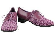 Elegantes brogues elaborados en piel y textil combinados. Cómodos y flexibles. Lánzate a la tendencia más atrevida.