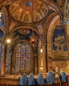Nuns Praying in Church of All Nations - Jerusalem