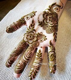 Mehndi Designs Front Hand, Khafif Mehndi Design, Modern Henna Designs, Rose Mehndi Designs, Modern Mehndi Designs, Mehndi Designs For Beginners, Mehndi Design Photos, Wedding Mehndi Designs, Mehndi Designs For Fingers