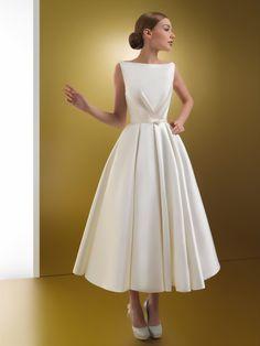 Civil Wedding Dresses, Dream Wedding Dresses, Bridal Dresses, Wedding Gowns, Mob Dresses, Tight Dresses, Fashion Dresses, Mother Of Bride Outfits, Engagement Dresses