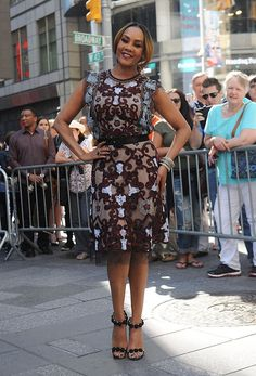 d7dcc7c383d  VivicaAFox out in fabulous NaeemKhanNYC dress in New York.  StreetStyle   StreetChic more  whotopstyle.com s fjQiOT