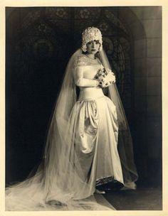 Clara Bow photo by Eugene Robert Richee