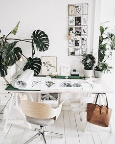 home studio workspace Workspace Design, Home Office Design, Home Office Decor, Home Decor, Flat Interior, Room Interior, Interior Livingroom, Workspace Inspiration, Interior Inspiration