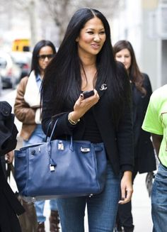 Kimora lee simmons 22 Celebrities who love a Birkin Bag Kimora Lee Simmons, Hermes Birkin, Birkin Bags, Hermes Evelyn Bag, Victoria Beckham Style, Laid Back Style, Beautiful Women Pictures, Black Women Fashion, Fashion Gallery