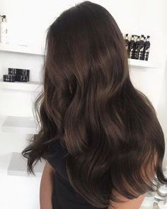 Long Wavy Ash-Brown Balayage - 20 Light Brown Hair Color Ideas for Your New Look - The Trending Hairstyle Brown Blonde Hair, Light Brown Hair, Dark Hair, Dark Brown Long Hair, Dark Auburn Hair, Blonde High, Brown Curly Hair, Long Black, Hair Colors