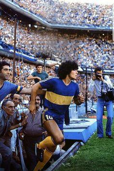 #futbolbocajuniors #futbolargentino Football Icon, Best Football Players, Retro Football, World Football, Football Kits, Vintage Football, Football Jerseys, Soccer Players, Argentina Football