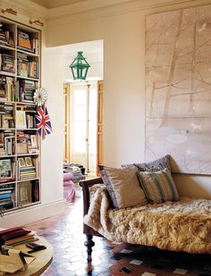 Carolina HerreraBáez's country home in Cáceres, Spain has long been a favorite so I was naturally thrilled to stumble upon these images from Architectural Digest's Spain edition. The d…