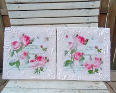 I started with modgepodging this beautiful napkins on canvas and then add lots of gesso to the sides and made a pattern with foam stamps in...