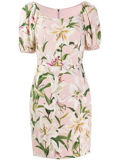 Shop online pink Dolce & Gabbana lily print dress as well as new season, new arrivals daily. Phenomenal luxury selection, get it now with quick Global Shipping or Click & Collect orders. Vestido Dolce Gabbana, Dolce E Gabbana, Feminine Dress, Feminine Style, Girl Fashion, Fashion Outfits, Fashion Design, Fitted Midi Dress, Italian Fashion